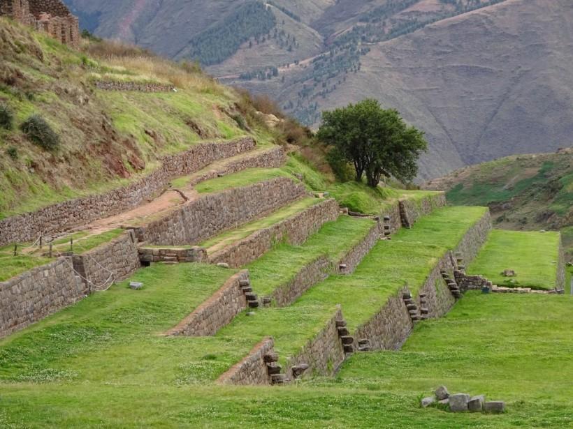 Andenes en Tipón, santuario al agua inca que muestra el respeto a su entorno