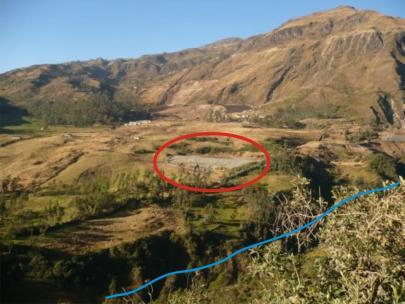 ....otro relave que ha colapsado ubicado encima del curso de agua, contaminando la vida de los habitantes aguas abajo