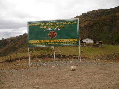 Otro letrero de trabajo de remediación de pasivos ambientales que se realiza en estos lugares