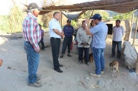 El Alcalde Jhosept Pérez, reunidos con agricultores de Yaután.....