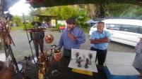 En la ruta conocimos a un artesano que hace hermosos trabajos en fierro y cobre tales como la banda completa de los Beatles, El Quijote con Sancho Panza y muchos trabajos más a precios muy accesibles.
