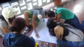 Cada grupo desarrolla su concepto...