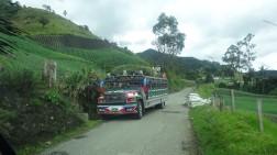 La clásica forma de transporte Colombiano, La Chiva