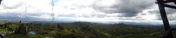 Nosotros si pudimos gozar de las hermosas vistas desde el Mirador Colina Iluminada.