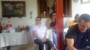 Gracias Sra. Carmen por su amabilidad y sonrisa espontanea, gracias por permitirnos conocer un poco más de la sencillez y amabilidad de la gente de Colombia.